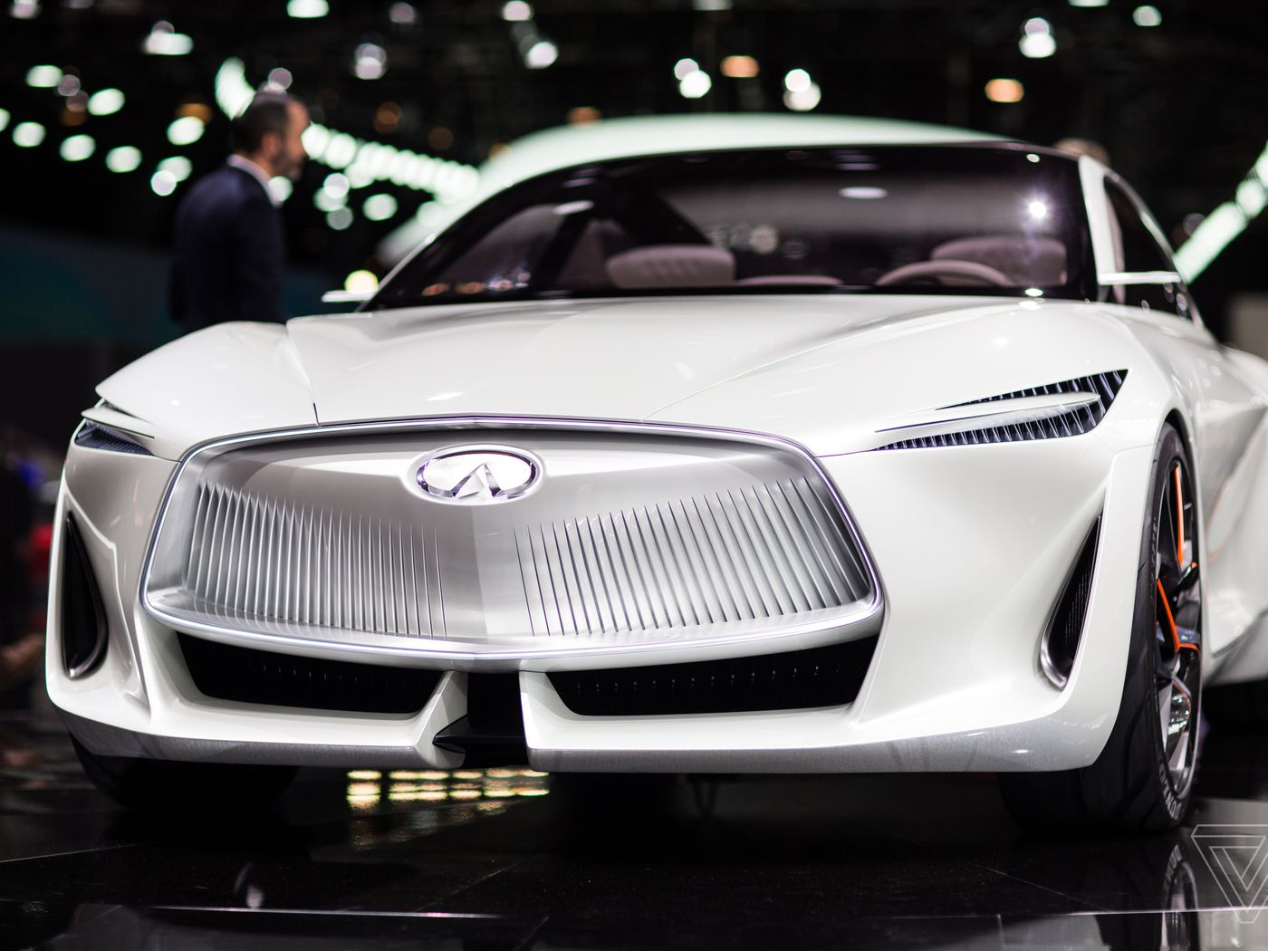 infiniti pr pare un concept car hybride sportif l 39 automobiliste. Black Bedroom Furniture Sets. Home Design Ideas